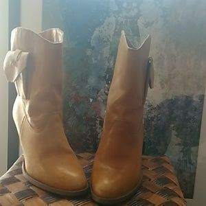Vintage leather western boots